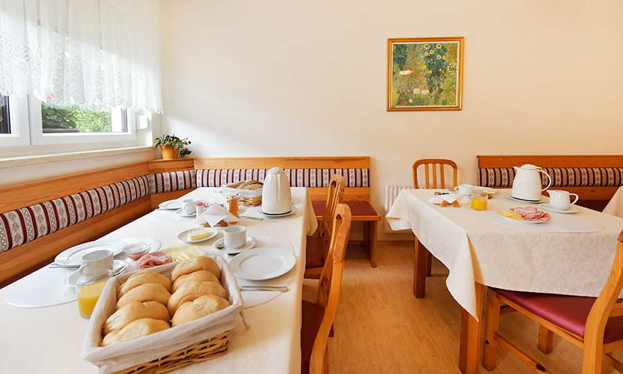 Frühstück am Blumenhof Wegleitner